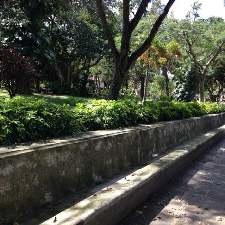 costarica_sanjose_publicspacelongbench