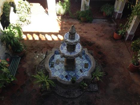 guatemala_antigua_interiorcourtyardfountain