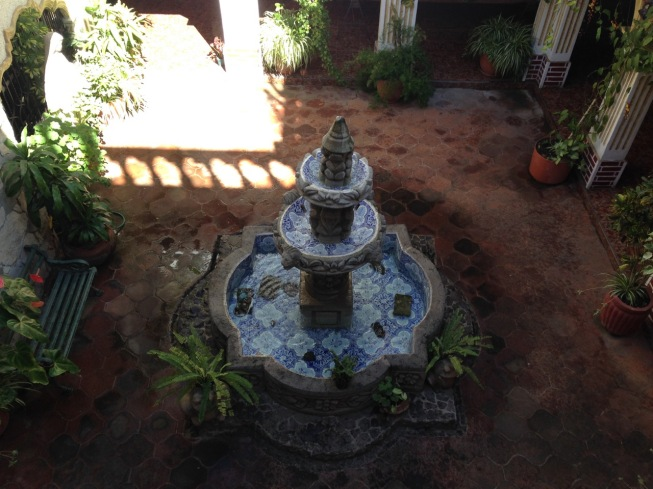 guatemala_antigua_interiorcourtyardfountain