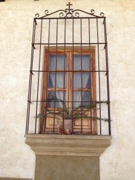 guatemala_antigua_window