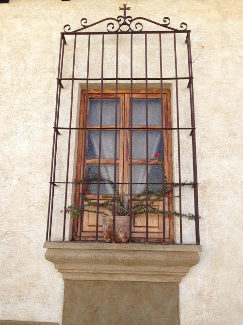 guatemala_antigua_window