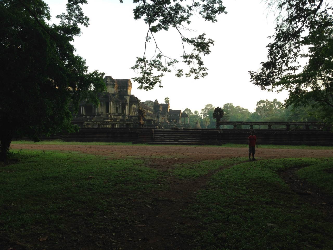 Cambodia_AnkorWatandgardens